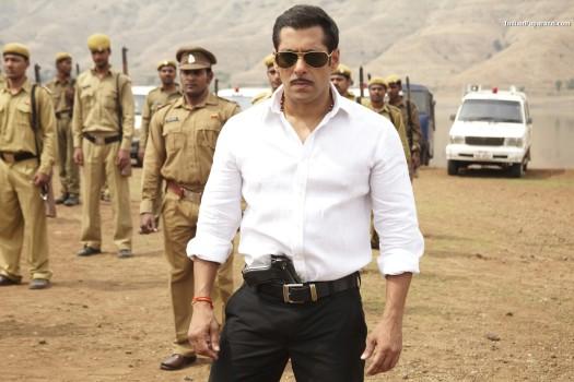 દબંગમાં સલમાન ખાન * Salman Khan in DABANGG